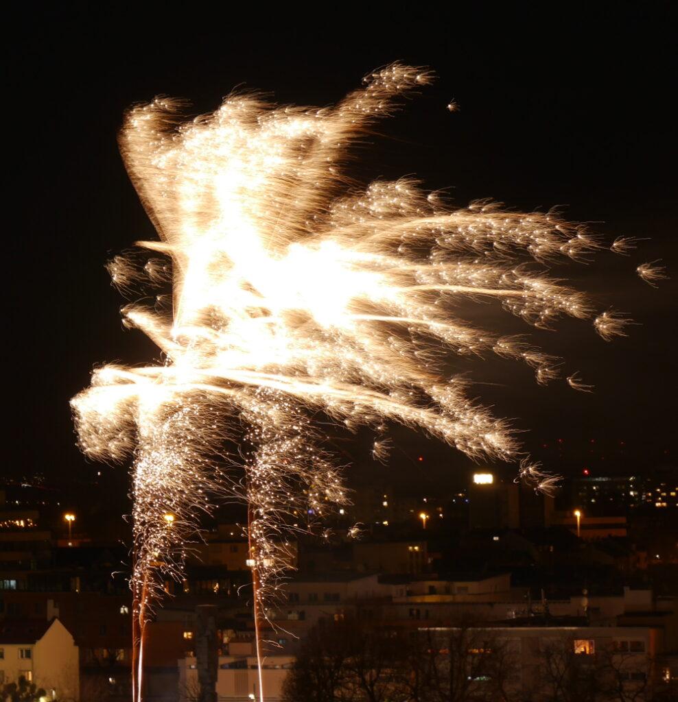 Das Foto zeigt Feuerwerk